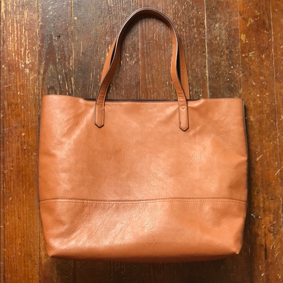 e20a3fa92 Overbrooke vegan leather tote bag. M_5b510ee674359b0b88bce237